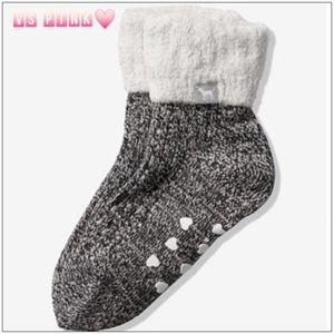 VS PINK COZY LINED CREW SOCKS